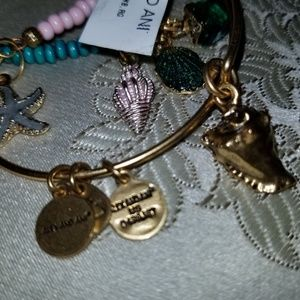 Conch Alex and ani